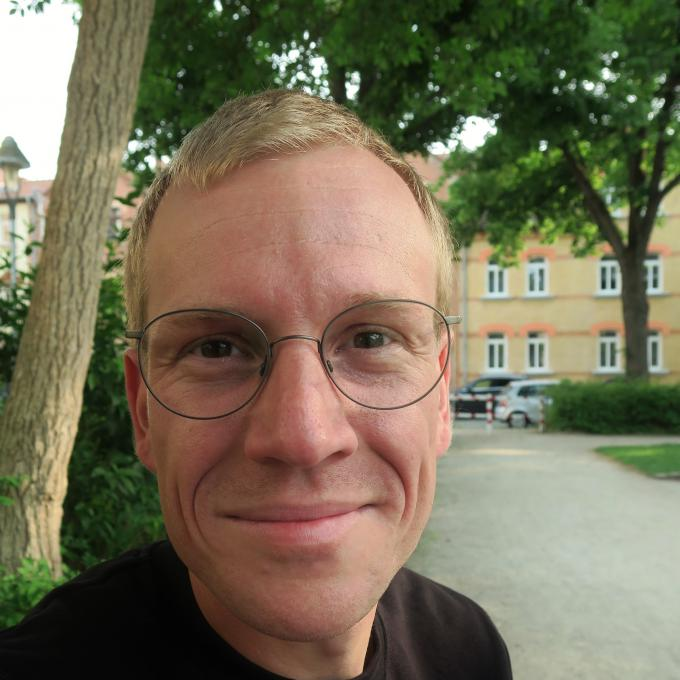 Headshot of Hannes Hoefer